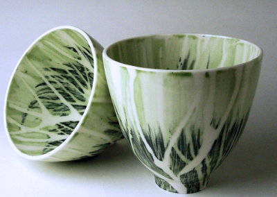 Porcelain. H: 10.5 cm