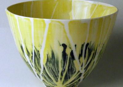Porcelain. H: 11 cm