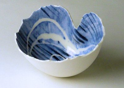 Porcelain. H: 9 cm